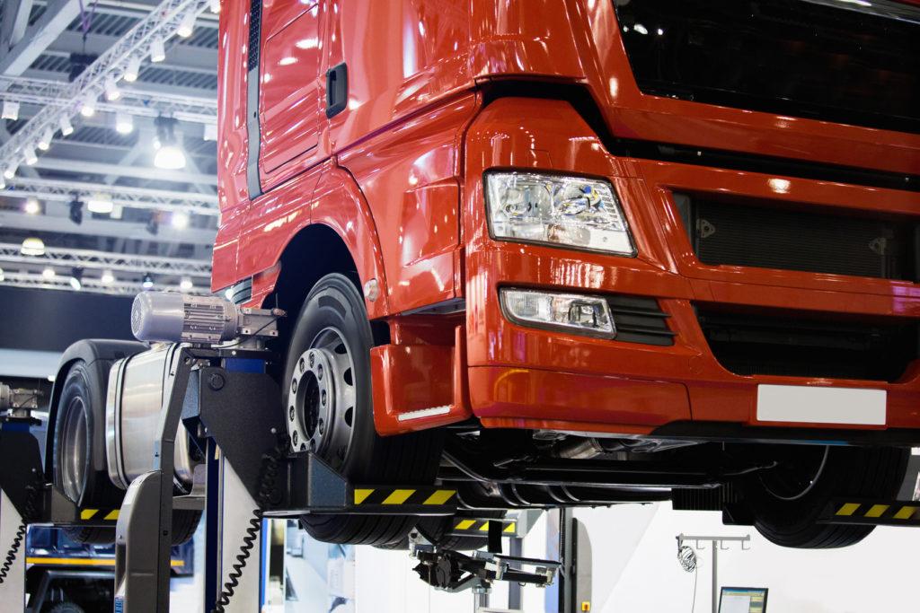 18 Wheeler Semi-Truck Service